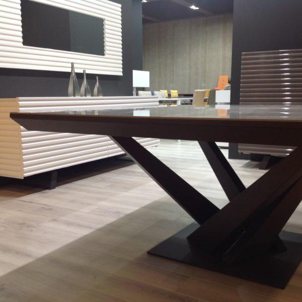 HYORIS_TABLE DE REPAS 140X140 CHLOE